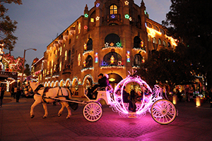What better way to enjoy the sights and sounds of Festival of Lights than in a beautiful Horse Drawn Carriage Ride. Carriages are available daily at three ... & Riverside Festival of Lights azcodes.com